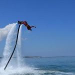 photo-Vincent Lagaf, Mégagaf sur son fly board.